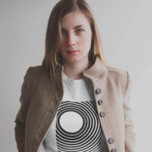naiste t-särk valge minimalistlik